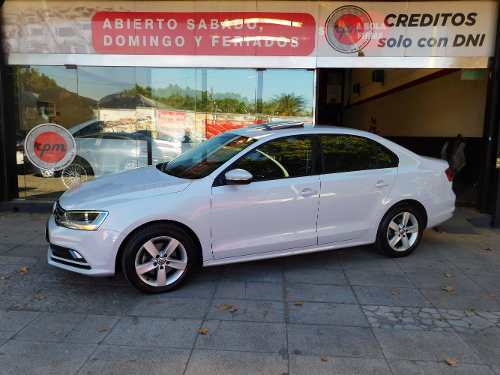 Volkswagen Vento 1.4 Comfortline 150cv At 2017 Rpm Moviles