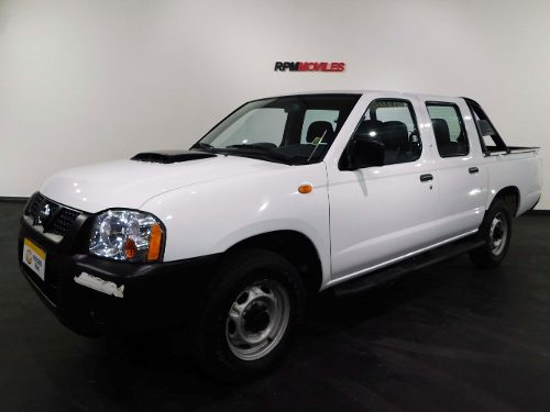 Nissan Frontier Np300 2.5 Td Blanca 2011 Rpm Moviles